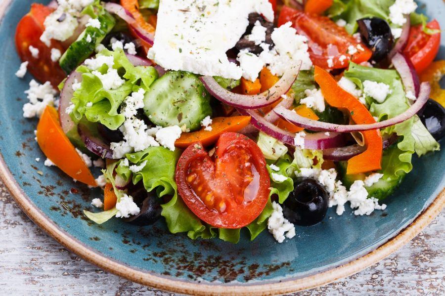 imagen de una ensalada griega